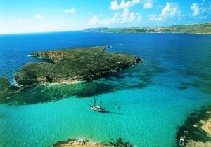 Malta, een eiland voor levensgenieters: een heerlijk klimaat, kristalhelder water, rijke geschiedenis en een bruisend uitgaansleven.