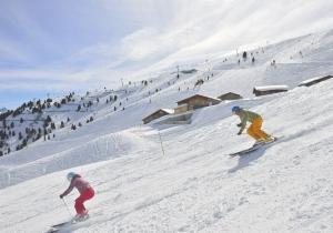 Zonovergoten pistes en scherpe aanbiedingen: het is voorjaar in de bergen