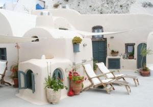 Vakantie in een authentiek verblijf op Santorini! Nu met € 50 korting, inclusief huurauto. Vertrek naar de zon in juni