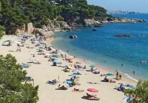 Geniet van de zon aan de Spaanse Costa Brava! Verblijf op camping El Delfin Verde vanaf € 155!