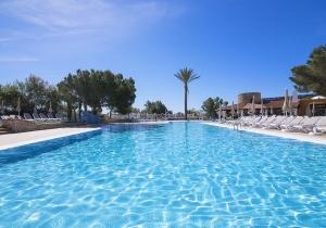 Prachtig all-inclusive 4* hotel op Ibiza met een unieke hippiemarkt!