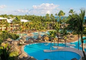 Tropisch genieten op de Dominicaanse Republiek in IBEROSTAR Punta Cana, een 5* luxehotel aan paradijselijk strand