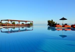 Rustig 5* hotel op Chalkidiki met waanzinnig uitzicht. Een ware lust voor het oog! Relax uren aan het zwembad van Alia Palace