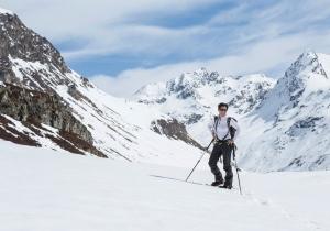 Stap met sneeuwschoenen door het idyllische, sprookjesachtige winterlandschap van Montafon!