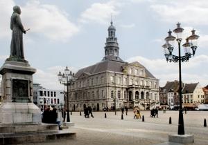 Ontdek Maastricht! 1 overnachting met ontbijtbuffet met bubbels, diner in Brasserie FLO en shoppinggids. V.a. € 99