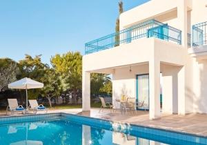 Geniet van de Cypriotische zon in de Mediterraanse stijl van dit knappe verblijf!