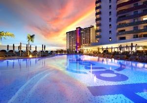 Welkom in het Hard Rock Hotel Tenerife! Ontspan in je Suite Studio Gold met bubbelbad. Vertr. 07/10, 4d, incl. vluchten, v.a. €433