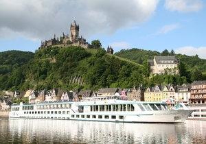 Vertrek op een unieke herfstcruise met vlaggenschip Rhein Prinzessin: vaar van Frankfurt naar Keulen