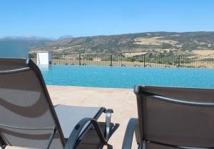 Kom tot rust in de bergen van Andalusië, incl. vluchten en huurwagen