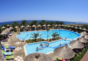 Waterpret voor de hele familie: 8d. in 4* all-in hotel met aquapark op Kreta