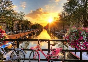 Kies voor een romantische citytrip in Amsterdam. 4* hotel aan een topprijs!