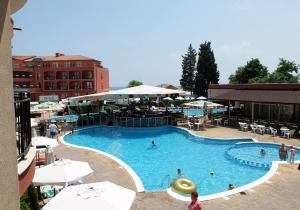 Genieten in de zon in Bulgarije in dit all-in 4* hotel vlak bij het strand