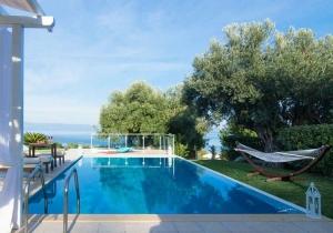 Verblijf in een luxevilla of suite in Chalkidiki, incl. vluchten & huurwagen