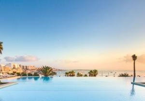 Rustig gelegen 4* hotel op Malta met ruime, stijlvolle kamers