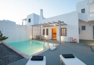 Prachtig witte villa met privézwembad op Rhodos, incl. vluchten & huurwagen