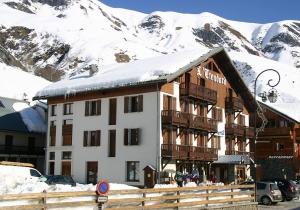 Familiehotel met faciliteiten op sneeuwbalworp. Favoriet van velen! Incl. skipas