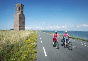 Op zoek naar een leuke fietsvakantie? Zeeland is dé fietsprovincie van Nederland. Lekker dichtbij en prachtige natuur!