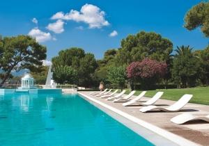 Ga nazomeren in dit 4* hotel vlak bij het strand aan de Atheense riviera