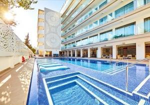 4* Adults Only hotel op Mallorca. Dagelijks muzikale events!