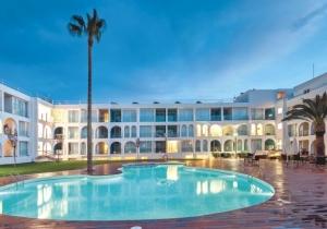 Geniet van de najaarszon in dit 4* hotel op Ibiza met moderne inrichting