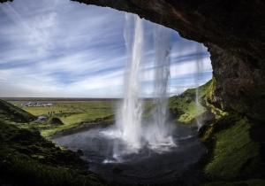 Warmwaterbronnen, spuitende geisers, watervallen, je ontdekt het allemaal op je 5-daagse rondreis door IJsland