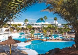 Verblijf een week in een 4* resort op Lanzarote met premium suites