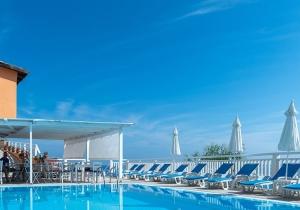Cozy villa op Zakynthos met prachtig uitzicht, incl. vluchten en huurwagen