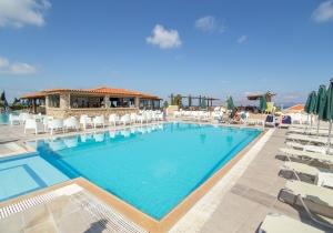 All inclusive 4* hotel op Kos met meerdere zwembad en glijbanen
