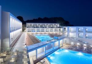 Crazy deal! In 2018 gerenoveerd all in 4* hotel op Zakynthos