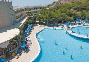 Kom 8 dagen tot rust in het idyllische Kalithea in dit 4-sterren hotel