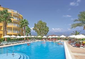 5* Ultra All In hotel in Turkije. Mooi uitzicht over stad en zee. Vertrek 15/07