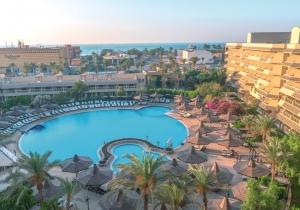 Familievriendelijk 4* hotel met aquapark in Egypte, vlak bij het strand