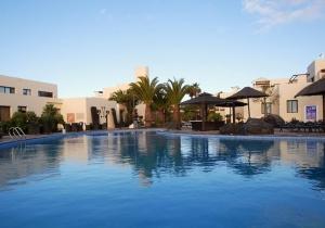 Ruime suites in dit 4* hotel op Lanzarote, ideaal voor jong en oud. Vertrek 17/12