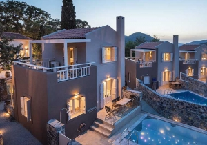 Luxueus logeren tussen de olijfbomen en groentetuinen op Kreta, met privézwembad