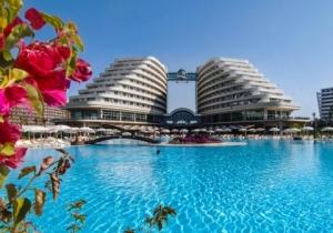 5* hotel met zwem- en glijbanen in Turkije verwent jong en oud