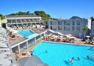 Volledig gerenoveerd 4* all-in hotel met moderne kamers op Zakynthos