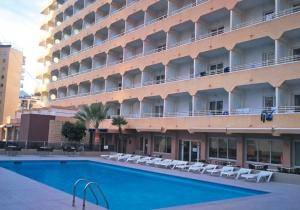 Tweede persoon mag gratis mee naar dit eenvoudig 3* hotel in Benidorm