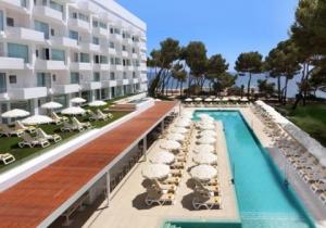 Luxueus, rustig gelegen vakantieadres met moderne kamers op Ibiza, adults only